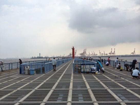 大黒海づり施設 入口付近