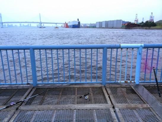 大黒海づり施設 桟橋内側中央付近