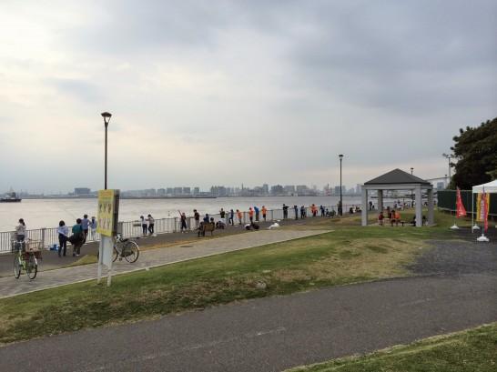 若洲海浜公園 キャンプ場前
