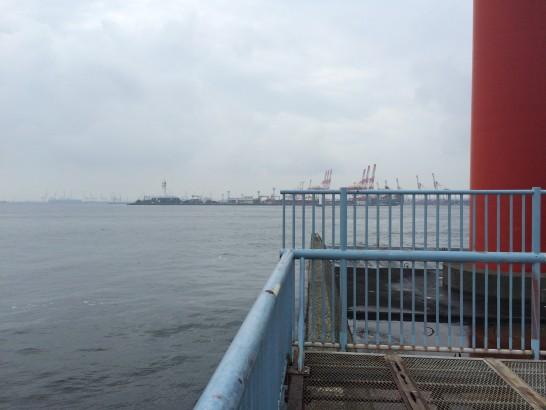 大黒海づり施設 左側先端